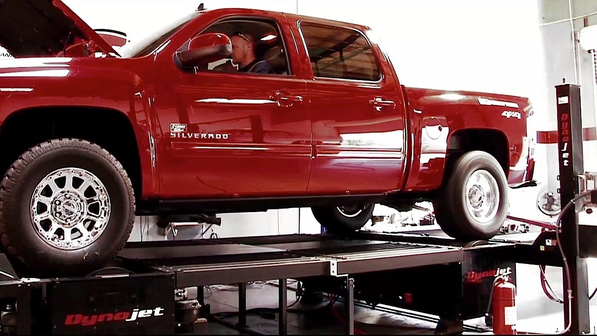 Video: Edelbrock Supercharger - Add 109HP To Late-Model GM Trucks